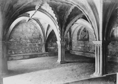 Cathédrale Saint-Martin, actuellement Notre-Dame et cloître, actuellement Musée municipal£ - Salle capitulaire : Vue intérieure