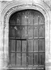 Eglise Notre-Dame - Façade ouest : porte