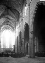 Eglise Saint-Paul - Nef vue de l'entrée