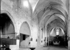 Eglise Saint-Paul - Nef et chapelles vues de l'entrée
