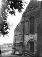 Eglise collégiale Saint-Denis - Façade ouest