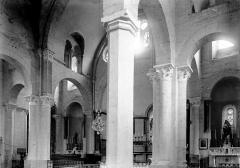Grange de Morina - Vue diagonale de la nef