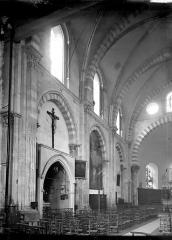 Eglise Saint-André-le-Bas - Nef vue de l'entrée, vue diagonale