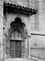 Eglise Notre-Dame - Petit porche