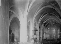 Eglise Saint-Bonnet - Nef vue de l'entrée