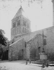 Eglise de Saint-Rambert - Clocher et partie latérale nord