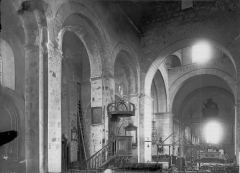 Eglise de Saint-Rambert - Nef vue de l'entrée