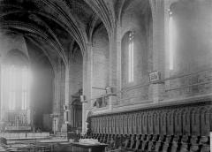 Eglise abbatiale Saint-Robert - Nef