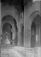 Eglise Saint-Gilles - Nef vue de l'entrée