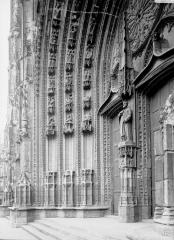 Cathédrale Saint-Pierre Saint-Paul - Portail et ébrasement