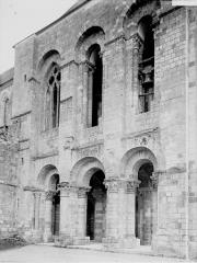 Eglise abbatiale Saint-Benoît - Façade