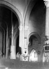 Eglise et son cloître - Eglise : Vue intérieure de la nef