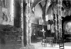Eglise Saint-Sauveur et crypte Saint-Amadour - Intérieur, autel, croix