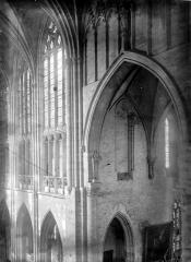 Ancien prieuré Saint-Martin d'Ambierle - Triforium et partie haute