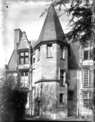 Ancien prieuré Saint-Martin d'Ambierle - Tourelle du presbytère