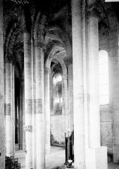 Eglise Notre-Dame de Cunault - Piles de la nef, côté sud