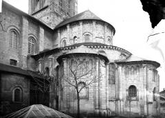 Ancienne abbaye royale de Fontevraud, actuellement centre culturel de l'Ouest - Eglise : Abside, côté sud-est