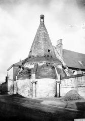 Ancienne abbaye royale de Fontevraud, actuellement centre culturel de l'Ouest - Tour d'Evrault (ancienne cuisine) : Ensemble sud-est