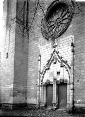 Eglise paroissiale (ancienne chapelle du château) - Portail ouest
