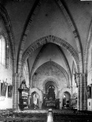 Eglise Notre-Dame d'Avesnière - Nef vue de l'entrée