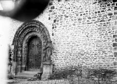 Eglise Notre-Dame d'Avesnière - Portail