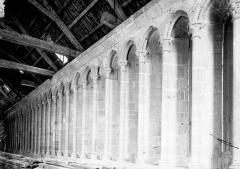 Eglise paroissiale - Arcature haute