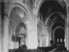 Eglise Notre-Dame - Vue diagonale de la nef