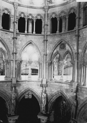 Eglise - Choeur et triforium