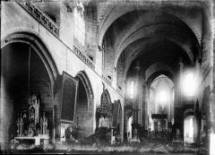 Cathédrale Saint-Pierre - Nef vue de l'entrée