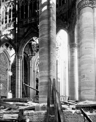 Cathédrale Notre-Dame - Vue diagonale du choeur