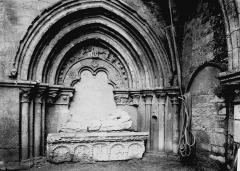 Eglise Notre-Dame - Enfeu et tombeau