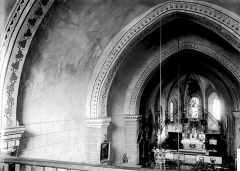 Eglise Saint-Julien - Nef vue de l'entrée