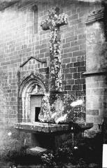 Eglise Saint-Bonnet - Croix