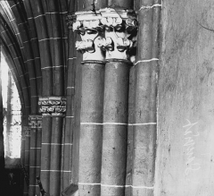 Eglise Saint-Loup - Colonne et chapiteau