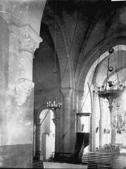 Eglise Saint-Hilaire et ancien monastère - Vue diagonale, intérieur