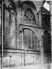 Cathédrale Notre-Dame - Fenêtre et arc-boutant
