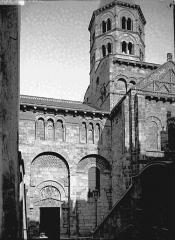 Eglise Notre-Dame-du-Port - Transept et clocher, au sud