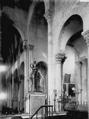 Eglise Notre-Dame-du-Port - Vue diagonale du choeur, croisée