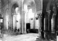 Eglise Saint-Genès - Vue diagonale, intérieur