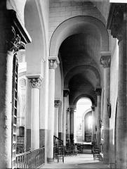 Eglise Saint-Genès - Bas-côté sud, vers l'est