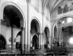 Eglise Saint-Genès - Nef vue de l'entrée