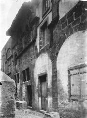 Maison dite d'Adam et Eve, à Montferrand - Façade