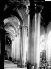 Abbaye Saint-Pierre - Bas-côté