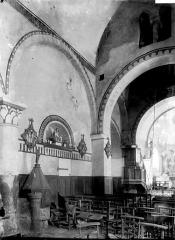 Eglise Saint-Victor - Vue diagonale de la nef