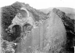 Ruines du château fort - Chapelle, ruine