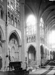 Abbaye Sainte-Colombe - Croisée et choeur