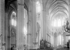 Cathédrale Saint-Etienne - Nef vue de l'entrée