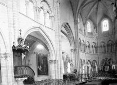 Eglise Saint-Martin - Nef vue de l'entrée