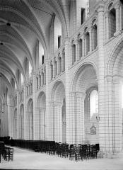 Ancienne abbaye Saint-Georges-de-Boscherville - Travées de la nef