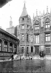 Hôtel de Bourgtheroulde - Cour